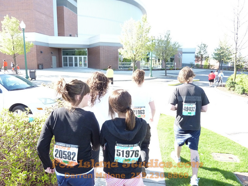 Bloomsday Run Spokane WA Sister Sharon Nieces Alex Dani Taylor 014