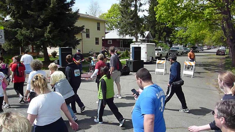 Bloomsday Run Spokane WA Sister Sharon Nieces Alex Dani Taylor 118