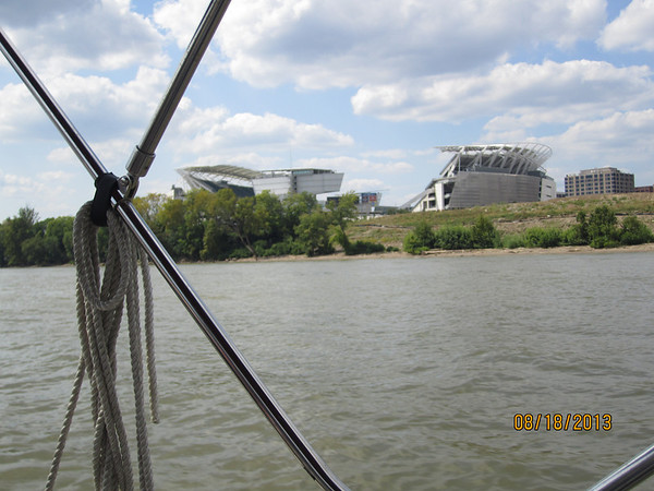 Aug. 18, 2013 - Boating on the Ohio River with Rabbi Avtzon and family