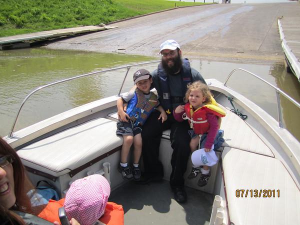 Boating with Mendy & Shterna Lipszyc & kids, July 13, 2011