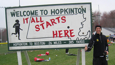 In case I forgot where I was or why I was there - Peter at start in Hopkinton (duh!)