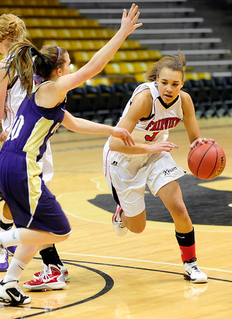 FVBGIRLS<br /> Fairview's Carlee Lough drives past Amy Coates of Boulder.<br /> photo by Marty Caivano/Jan. 18, 2011
