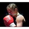 Traditionnel meeting de boxe de Pâques dans la salle polyvalente de Palézieux, organisé par le Boxing-Club de Châtel-St-Denis.<br /> Ici, le combat professionnel féminin entre Seki Aniya (Boxing Kings Berne) contre la Roumaine Georghe Mirabela. La Japonaise de Berne Seki Aniya (en jupe) s'imposera aux points (unanimité des juges).