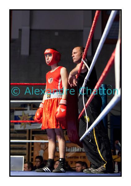 Samedi 7 avril 2012: traditionnel meeting de boxe organisé à Palézieux par le Boxing-Club de Châtel-St-Denis.<br /> Ici, Raphaël Digier, BC CHâtel-St-Denis, avant son match contre Ali Hafaz, BC Octodure.
