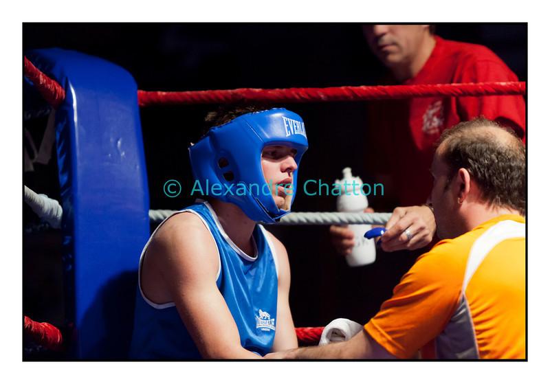 Samedi 7 avril 2012: traditionnel meeting de boxe organisé à Palézieux par le Boxing-Club de Châtel-St-Denis.<br /> Ici, Nicolas Hahlen (Monthey).