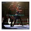 Samedi 7 avril 2012: traditionnel meeting de boxe organisé à Palézieux par le Boxing-Club de Châtel-St-Denis.<br /> Justine Erard, BC Châtel-Saint-Denis (rouge), contre Valérie Ntsama, BC Neuchâtel (bleu).