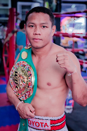Muay thai boxing champion-lumpini stadium, Bangkok, january 2012