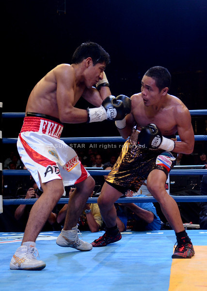 Donnie Nietes grabbed the WBO world lightweight championship Saturday after defending his belt against Mexican opponent Felipe Salguero during the Pinoy Pride IV held at Resorts World Hotel in Manila. (Ruel Rosello)