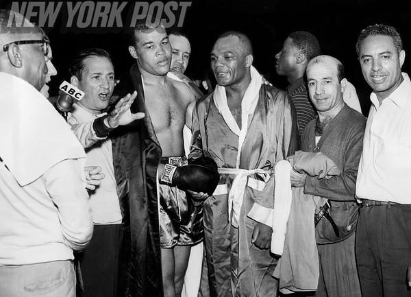 Joe Louis vs Jersey Joe Walcott II at Yankee Stadium. 1948