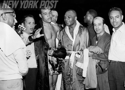 Joe Louis vs Jersey Joe Walcott II at Yankee Stadium. 1948