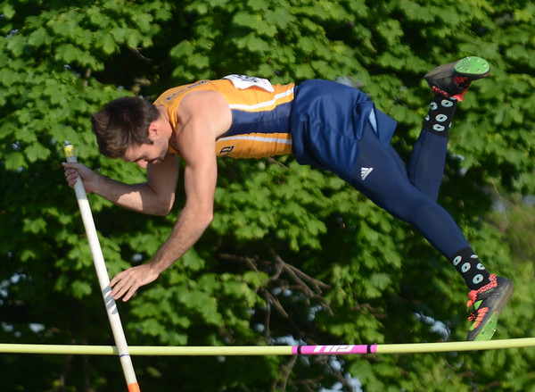 HALEY WARD | THE GOSHEN NEWS<br /> Fairfield junio r Zach Wagler competes in the pole vault on Thursday during the Goshen Sectionals.