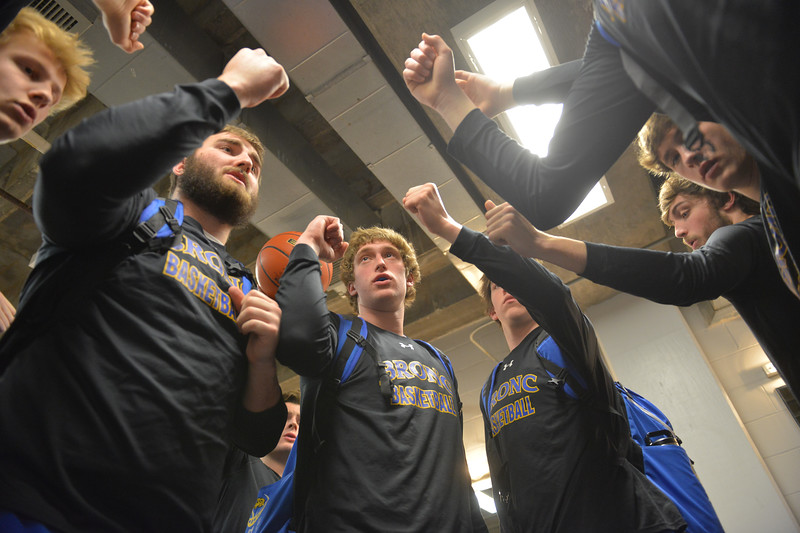 Justin Sheely   The Sheridan Press<br /> From left, Abraham Ross, Blayne Baker, Parker Christensen, Dalton Gregory and Aaron Sessions break in the locker room during the boys class 4A State Championship at the Casper Event Center Saturday, March 10, 2018. The Broncs fell to the Camels 71-61.