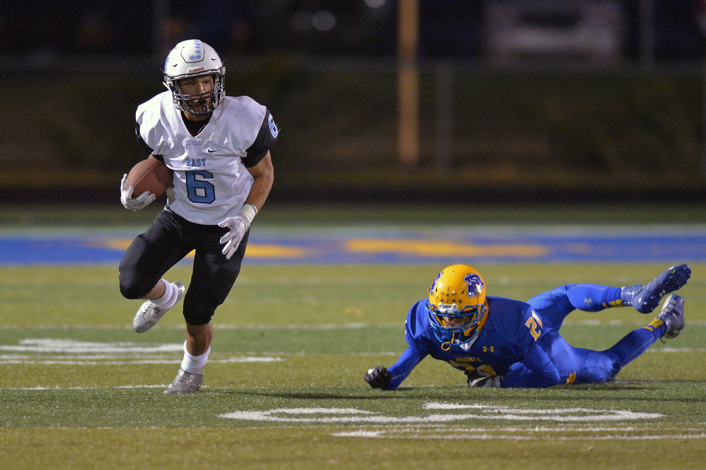 Cheyenne East's Ethan Ashworth (6) escapes from Sheridan's Bryce Taylor during the T-Birds' 38-14 loss to the Broncs on Friday, Oct. 20 at Homer Scott Field. Mike Pruden | The Sheridan Press