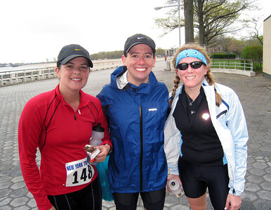 Mr. age group elite (aka Dave Kurs, who finished 3rd in his age group) surrounded by his entourage, Aimee and Ali