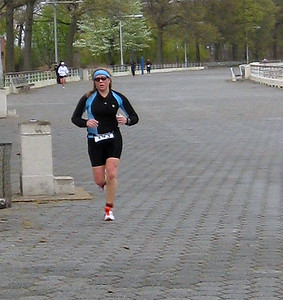 Ali looking muy macho enroute to the finish