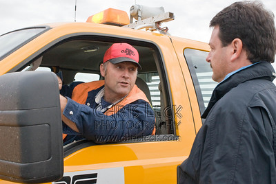 Tom Breedlove consults with ODOT supervisor