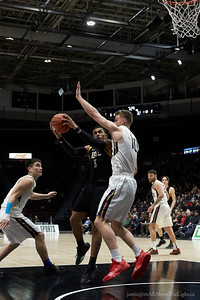 uSports Basketball - itsAllAboutTheLight.ca