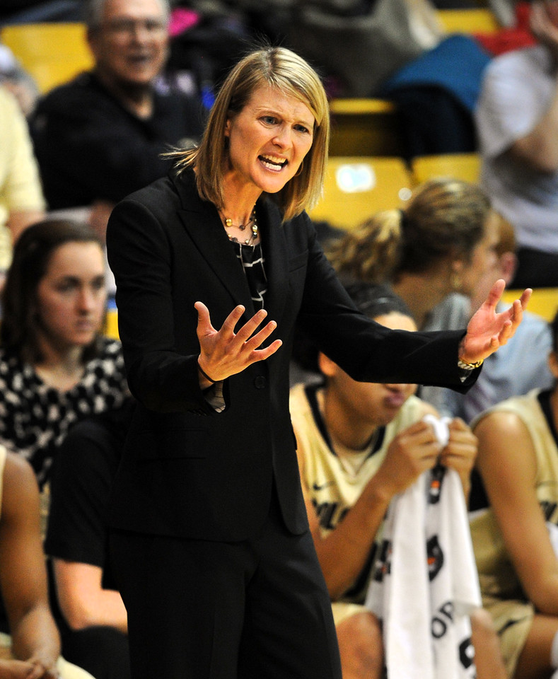 "CU head coach, Linda Lappe, encourages her team against Oregon.<br /> For more photos of the game, go to  <a href=""http://www.dailycamera.com"">http://www.dailycamera.com</a>.<br /> Cliff Grassmick / February 10, 2013"