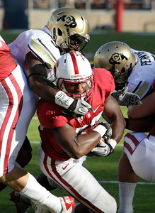 Stanford running back Stepfan Taylor (33) scores from the one yard line against Colorado in the first quarter of an NCAA college football game in Stanford, Calif., Saturday, Oct. 8, 2011. (AP Photo/Paul Sakuma)
