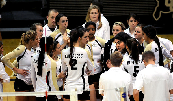 """Coach Liz Kritza talks to the team during a timeout against Arizona.<br /> For more photos of the game, go to  <a href=""""http://www.dailycamera.com"""">http://www.dailycamera.com</a>.<br /> Cliff Grassmick / October 14, 2012"""