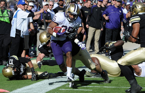 "Bishop Sankey of Washington gets close to a score against the Buffs on Saturday.<br /> For more photos of the CU game, go to  <a href=""http://www.dailycamera.com"">http://www.dailycamera.com</a><br /> Cliff Grassmick / November 17, 2012"