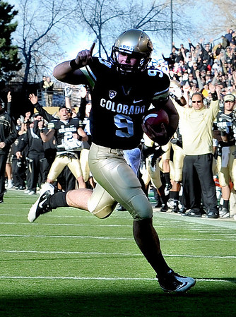 "Tyler Hansen is excited about his touchdown catch against Arizona on Saturday.<br /> For more photos of the Buffs, go to  <a href=""http://www.dailycamera.com"">http://www.dailycamera.com</a><br /> Cliff Grassmick / November 12, 2011"