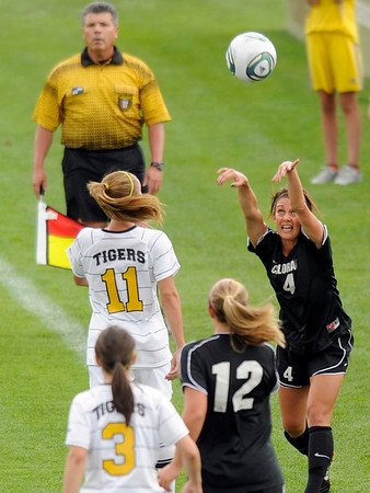 """University of Colorado's Amy Steiner throws the ball to a teammate during a soccer game against Colorado College on Friday, Aug. 19, at the University of Denver. CU won the game 5-0. For more photos of the game go to  <a href=""""http://www.dailycamera.com"""">http://www.dailycamera.com</a><br />  Jeremy Papasso/ Camera"""