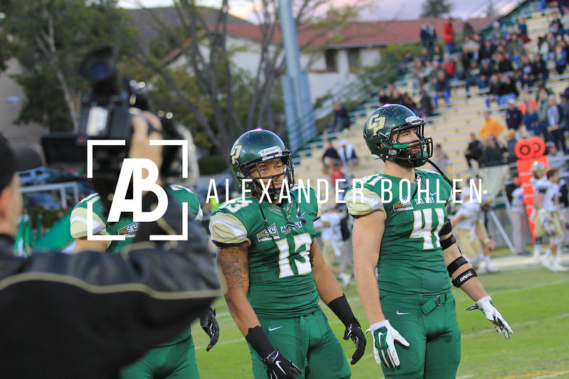 Cal Poly defeats Montana State by 35 to 27.