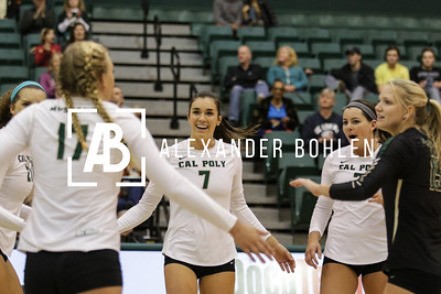 Cal Poly defeats Irvine by 3-2 in the last set with a score of 15 to 10. Photos by Alexander Bohlen