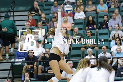 Cal Poly Defeats SDSU in set 3 by 26 to 24.