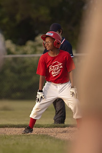 Pizza Hut Cards_Midwest Bank Rays 060811_8448