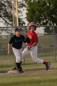 Pizza Hut Cards_Midwest Bank Rays 060811_8439