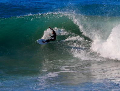 I saw this guy at Grandview last year and he was one of the better surfers on the day at both places.