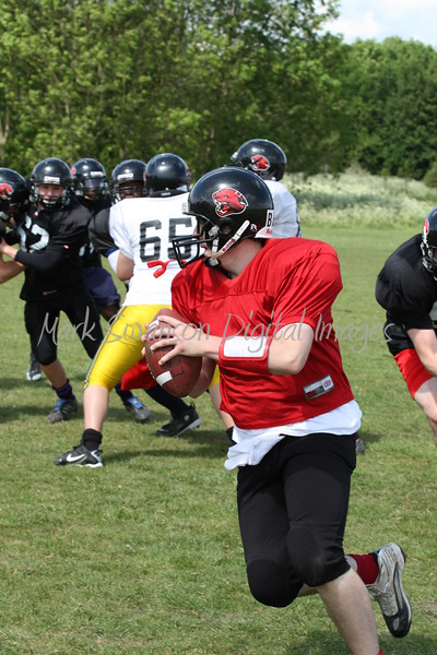 Quarterback readies for the long pass