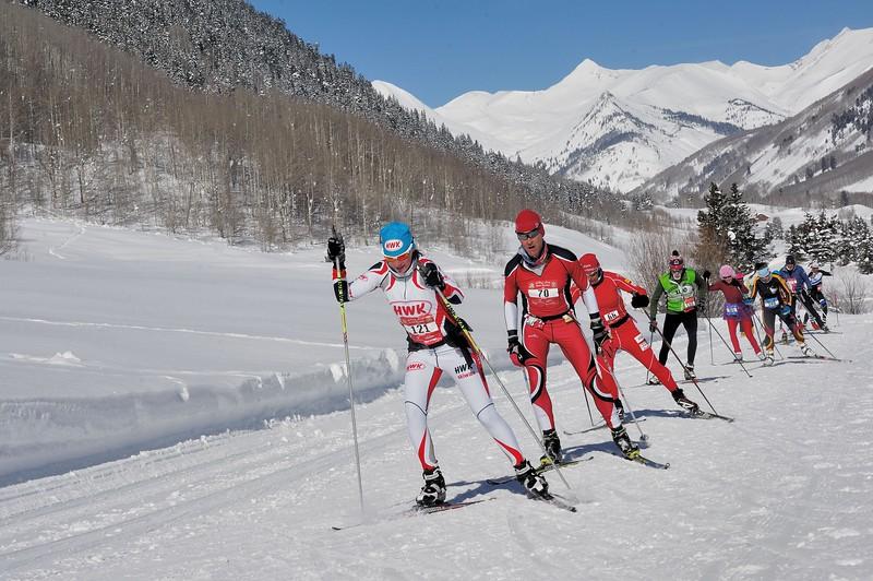 121  Sarah Hochtl . 42 km in 2h 37 27 14     ( 9th in women race )...70 Gregg Finoff . 42 km in 2h 34 43 56 (53 in men race )