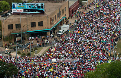 Kelly West AMERICAN-STATESMAN Congress Avenue is filled with thousands of runners waiting for the start of the 34th annual Capitol 10,000 on Sunday morning, March 27, 2011.  aerial