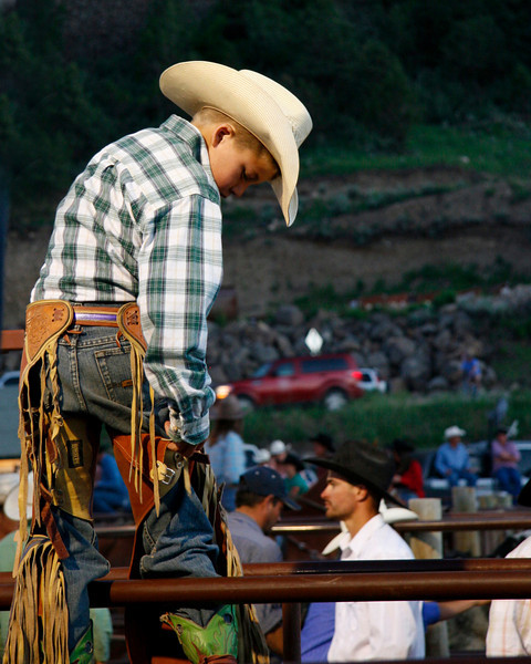 A joung Steer rider get ready for the nights ride.