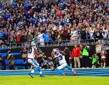 2012 October 07: (81) Golden Tate, WR goes in for the touchdown during the Seattle Seahawks at Carolina Panthers Bank Of America Stadium in Charlotte, NC.