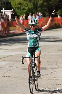 Women 1/2/3 winner Christine Thorburn