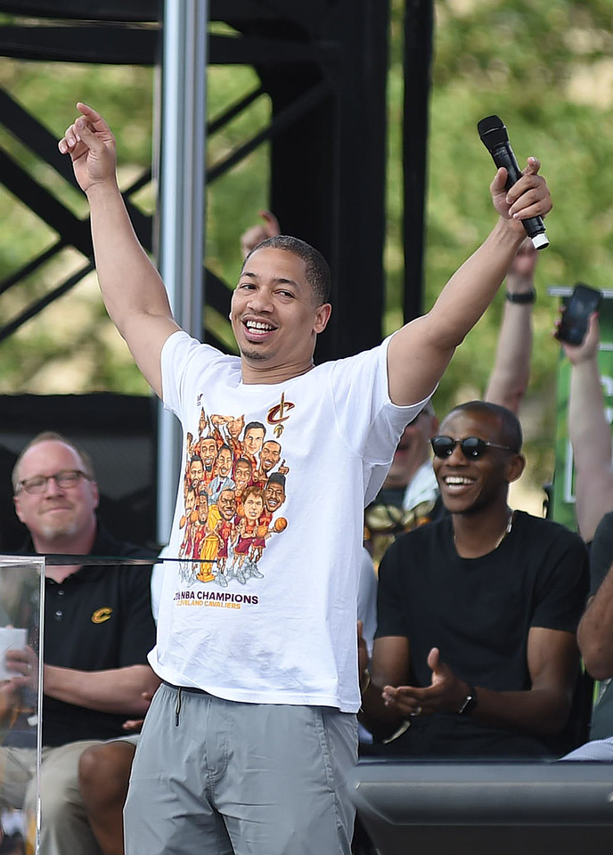 KRISTIN BAUER | GAZETTE Cleveland Cavaliers head coach Tyronn Lue speaks during a ceremony held at the conclusion of the parade celebrating the Cavs' championship.
