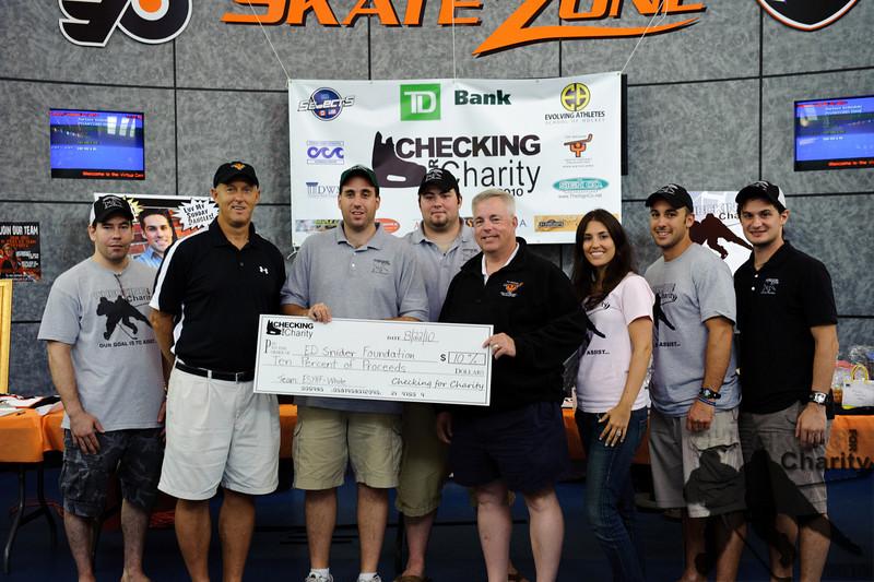 CheckingForCharity2010_4670