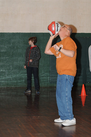 Basketball 0218 2012