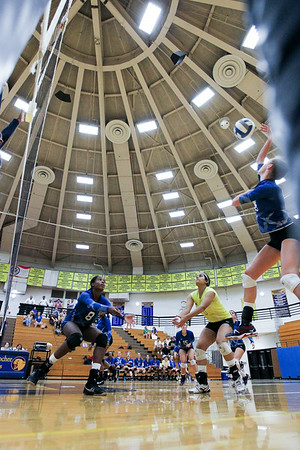 CHATAHOOCHEE VARSITY VOLLEYBALL (14 of 19)