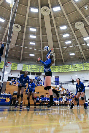 CHATAHOOCHEE VARSITY VOLLEYBALL (16 of 19)