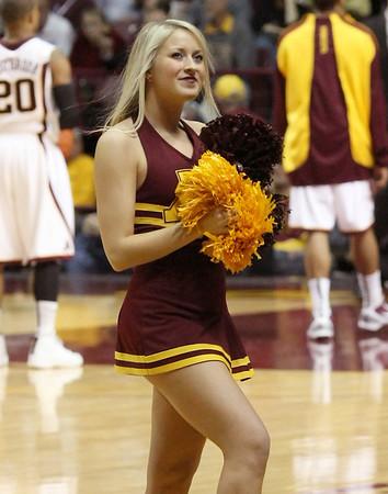 University of MN Cheerleaders (Feb 2010)