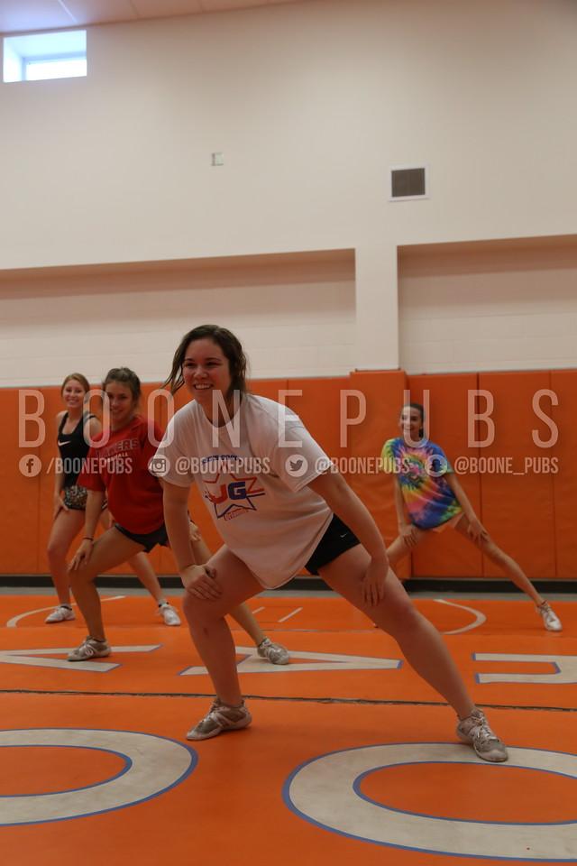 cheer varsity practice 9-28_Eaton0110