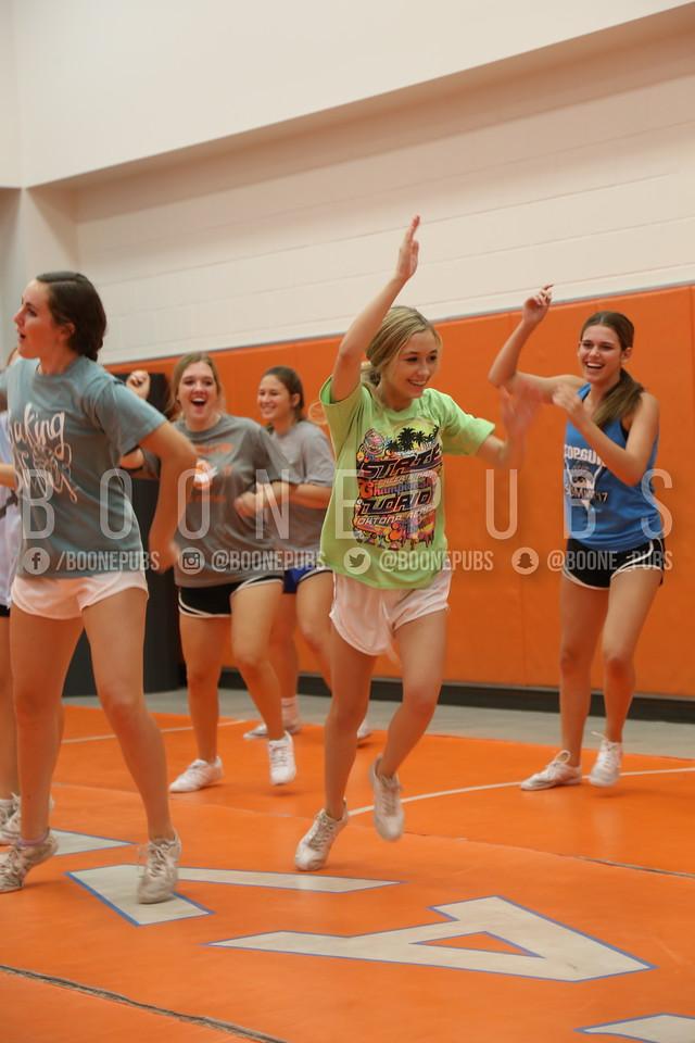 cheer varsity practice 9-28_Eaton0009