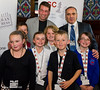 8781 - Garry Kasparov with children from Throston Primary School