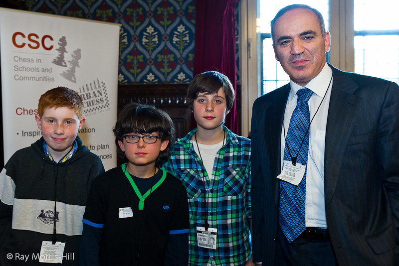 8855 - Garry Kasparov with children from William Patten Primary School, Hackney