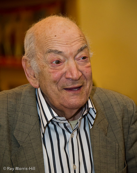 Viktor Korchnoi at the start of his second simul
